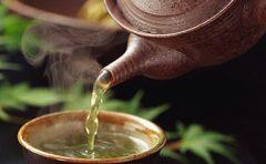 毒だし効果のあるお茶とは?血行促進やむくみ、安眠に効く?