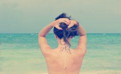首の後ろが痛いのはストレスが原因? ストレッチで緩和される?