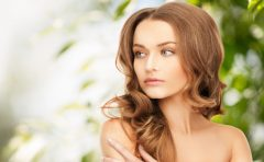 顔のしわの原因とは?紫外線や肌の老化現象が関係している!?