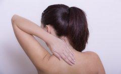 熱中症は首の痛みや指がつるが出るって本当?